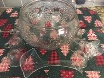 INDIANA GLASS CO PUNCHBOWL SET - 15 PIECES  LIKE NEW!! in Lockport, Illinois
