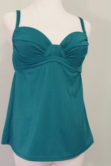 Jcrew Green Bathing Suit Top Size Small Brand New in Camp Lejeune, North Carolina