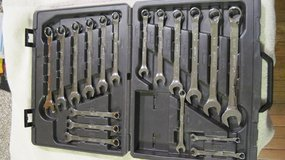 18PC Full Polish Fractional / Metric Combination Wrench Set in Fort Campbell, Kentucky