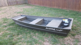 10 ft Jon boat + accessories (barely used) in Fort Campbell, Kentucky