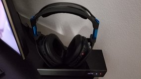 ASTRO Gaming A50 Wireless Gaming Headset w/ Noise-Isolating kit and extra base station in Grafenwoehr, GE