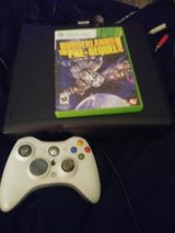 XBOX 360 250GB HARDDRIVE WITH 1 GAME 1 WIRELESS CONTROLLER AND CORDS in Fort Polk, Louisiana