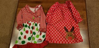 Girls Size 4 Christmas Dresses in Bolingbrook, Illinois