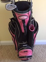 Ladies Golf Set - 1,3 woods, #7 Hybrid, 5/6-SW, Putter and Bag in Cherry Point, North Carolina