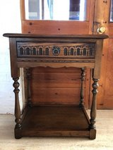 Antique Old Charm Oak Side Table with Drawer (Genuine and Excellent Condition) in Lakenheath, UK