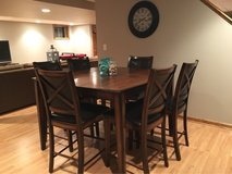Table and 6 Chairs in Aurora, Illinois