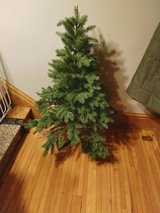 4 ft tree w stand in Aurora, Illinois