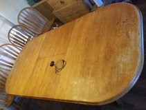 Dining table and chairs in Lawton, Oklahoma