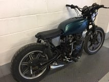 2 X YAMAHA XS 250 1979 & 1980 RUNNING BRAT BOBBER PROJECT BOTH HAVE FULL LOG BOOKS in Lakenheath, UK