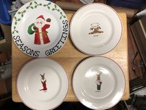 8 Christmas Plates in Fort Knox, Kentucky