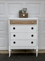 Beautiful dresser in Aurora, Illinois