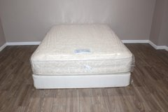 Queen size mattress- Serta Perfect Sleeper in Spring, Texas