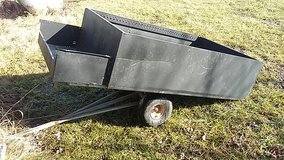 Pull behind trailer for lawn tractor / lawn mower in Fort Leonard Wood, Missouri