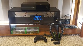 Xbox One 500gb with 6 Games + Xbox Controller + Charge and Play + Turtle Beach XO Seven Stereo G... in Bartlett, Illinois
