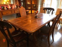 : ) Dining Table & 4 Chairs. in Glendale Heights, Illinois