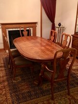 Thomasville Dining Room Set Perfect Condtion in Westmont, Illinois