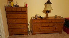 Dresser & Chest of Drawers in Quantico, Virginia