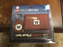 WASHINGTON HUSKIES Pebble Finish Three-Piece Gift Set *** NEW *** in Fort Lewis, Washington