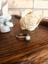 Pretty Vintage Pearl Sterling Silver Ring in bookoo, US