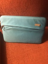13 in laptop zip up sleeve in Dover, Tennessee