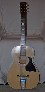 Harmony Stella Parlor Guitar in Cleveland, Ohio