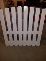 Picket Fence back board for twin bed in Chicago, Illinois