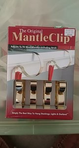 mantle clips in Glendale Heights, Illinois