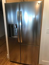 Refrigerator: Like new in Beaufort, South Carolina