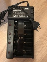 220v universal battery charger in Ramstein, Germany