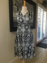New w/o Tags!  Black and White Dress Size 12 Petite in Naperville, Illinois