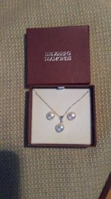 Pearl necklace & earrings. in St. Charles, Illinois