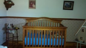 Crib/Toddler bed/ daybed in Plainfield, Illinois