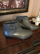 Size 6 Michael Kors Ankle Booties / Boots - NEW in Pasadena, Texas
