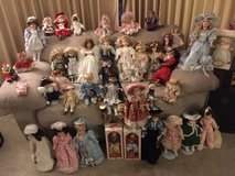 "*** LOTT of 47 PORCELAIN DOLLS (4"" TO 18"" in size) *** VERY GOOD CONDITION in Tacoma, Washington"