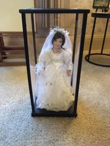 "*** WEDDING BRIDE 18"" PORCELAIN DOLL in Wooden Display case and COA *** in Tacoma, Washington"