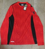 Under Armour Red Men's COmpression Heat Gear Long SLeeve Shirt Sz Med NWT in Fort Rucker, Alabama