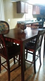 Table and 4 chairs in Fort Polk, Louisiana