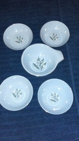Pretty porcelain bowls (lot 3) in Kingwood, Texas