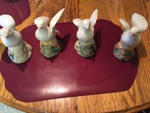 *~* 4 CERAMIC DOVES *~* in Fort Lewis, Washington