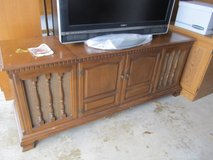 Vintage Zenith Stereo AM-Fm Console in Yorkville, Illinois