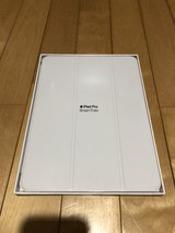 Excellent Condition (Like New) - (iPad Cover only) iPad Pro 11-inch Apple Smart Folio - White in Okinawa, Japan