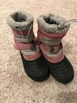 Girls Snow boots size 4 in Aurora, Illinois