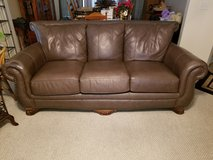 LEATHER LIVING ROOM SET w/EXTRAS in Macon, Georgia