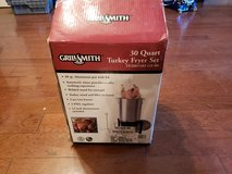 Brand New 30 Quart Turkey Fryer Set! in Macon, Georgia