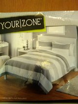 Full Size Comforter Set in Yucca Valley, California