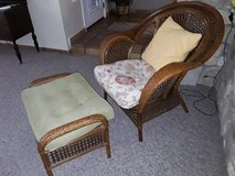 Pier 1 imports chair and ottoman in Yucca Valley, California