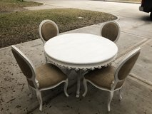 Round Dining Table w/ chairs in The Woodlands, Texas