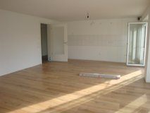 Only 15 min to Panzer NO FEES BRAND NEW APT WITH YARD in Holzgerlingen in Stuttgart, GE