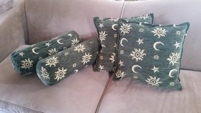 **REDUCED** Like NEW! Turkish Throw Pillows in Fort Campbell, Kentucky