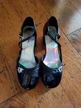 Girls Black Patent Leather Dress Shoes, Size 2.5 in Fort Campbell, Kentucky